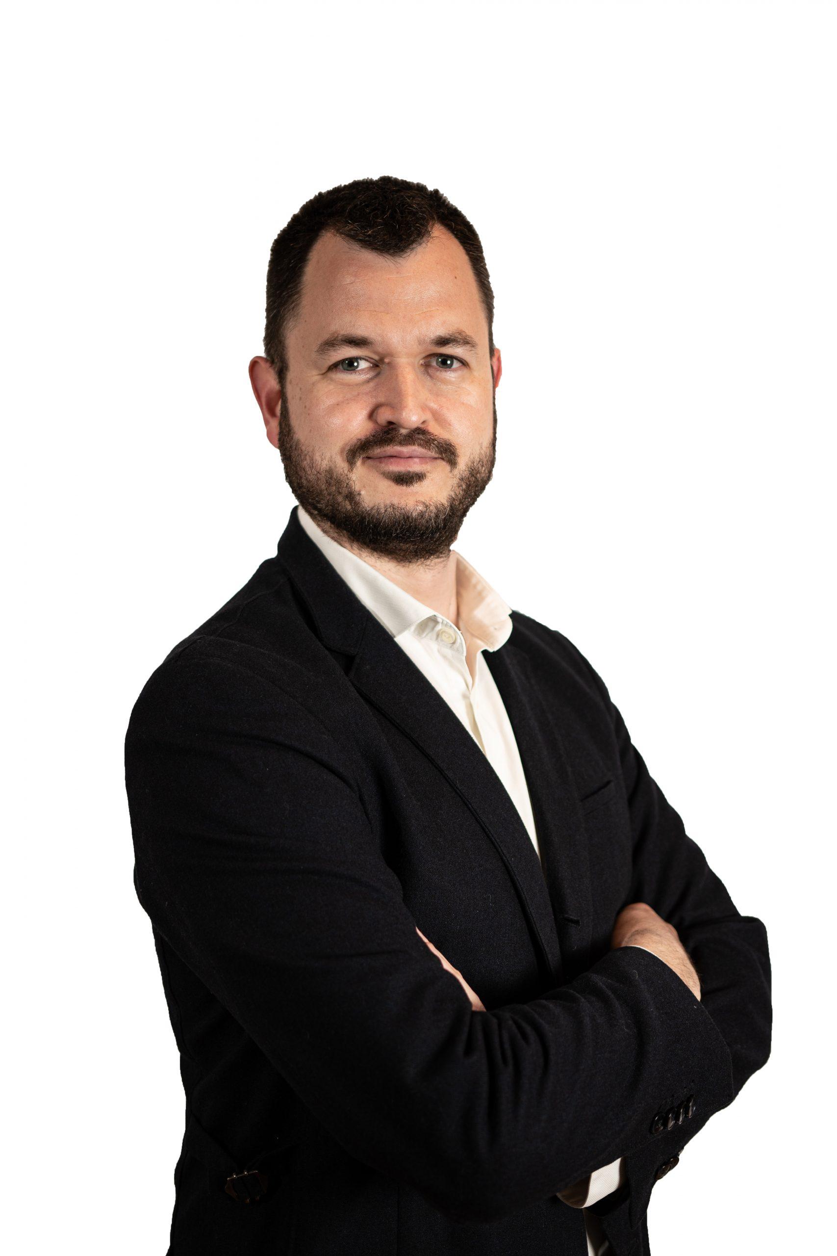 Axel Blumenberg headshot