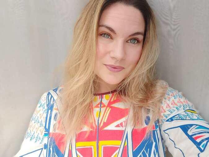 Claire Louise Travers headshot