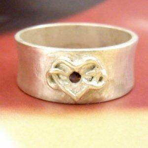 infinate heart ring